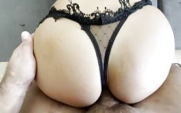 Fucking big ass anal