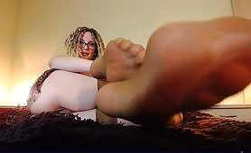 CEI for pretty long feet with tan stockings